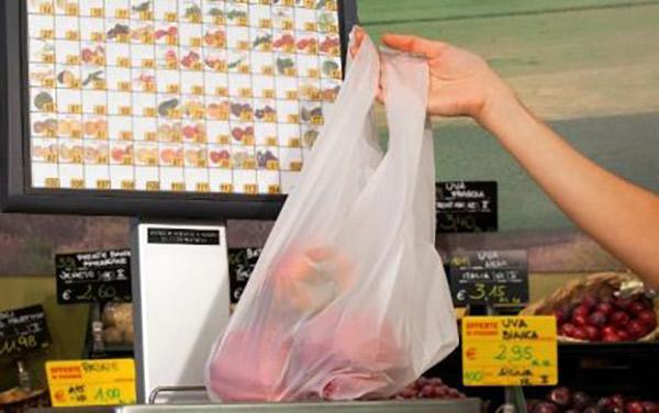 Sacchetti biodegradabili, ecco le regole per esercenti e consumatori
